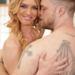 Mandy Mitchell in 'Transsensual' MILF Mandy (Thumbnail 7)